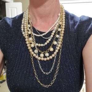 Messy multi strand pearl necklace